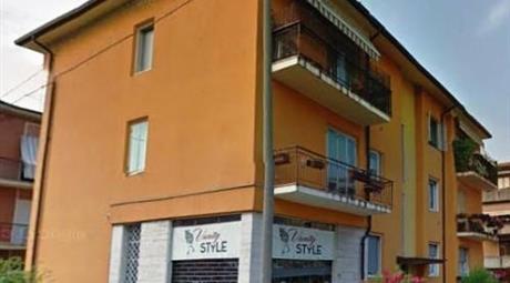 Ufficio vetrinato vicino Corso Milano