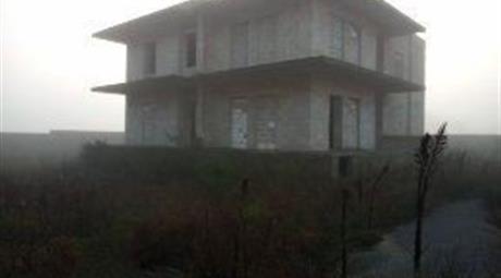 Capannone in Vendita in Strada Provinciale per Collepasso 102 a Collepasso € 620.000