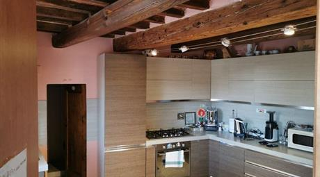 Terratetto, Terracielo in Vendita in Via delle Logge 15 a Castiglion Fibocchi