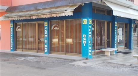BIBIONE;NEGOZIO IN ZONA TERMALE 60 MQ, PIAZZALE PO.