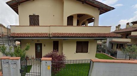 Trilocale in Vendita in Via di Migliana a Cantagallo