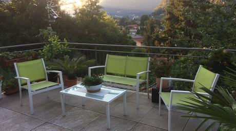 Vendesi appartamento con visto sul lago di Lugano