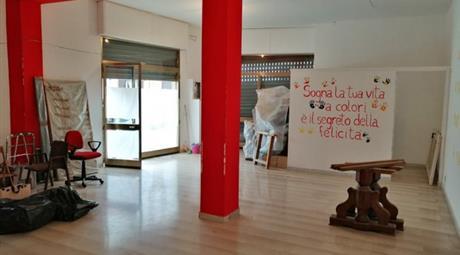 Locale commerciale in vendita a Noicattaro 65.000 €
