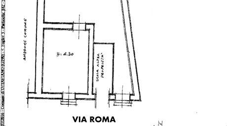 Locale commerciale o uso abitativo in posizione centrale Ottaviano