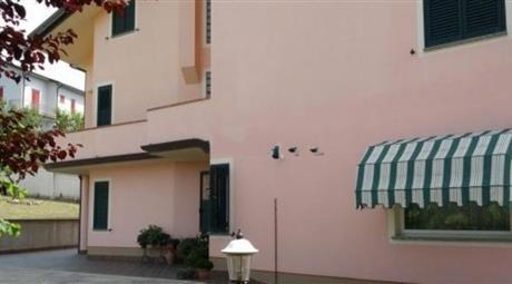Villetta indipendente in affitto