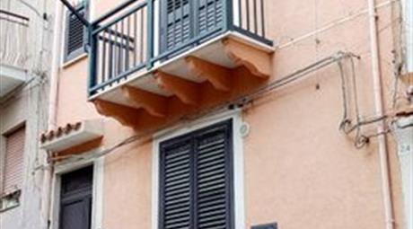 Casa a piani ristrutturata da poco