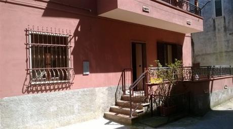 Casa indipendente in vendita in via dalmazia, 75.000 €