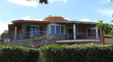 Villa con due appartamenti completamente indipendenti dotata di ogni confort