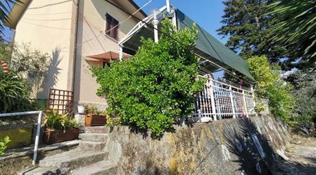 Terratetto unifamiliare via del Monte, Vezzano Ligure