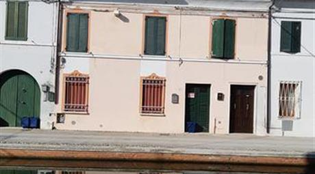 Appartamento cielo terra in pieno centro storico di Comacchio