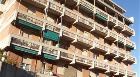 Appartamento in Vendita in Via Gaetano Barbareschi 233 a Genova € 79.000