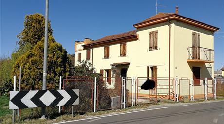 Casa indipendente in vendita in via Adolfo Azzi