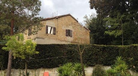 Casale/cascina in vendita in via Cerreto , Pesaro
