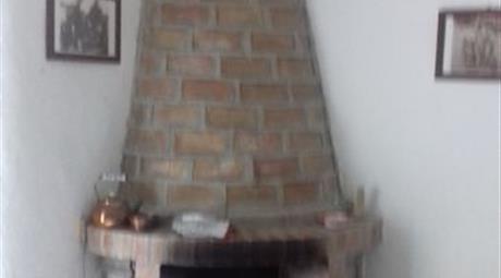 Porzione Di Casa in Vendita in Via Bellingeri 14 a Sant'Agata Fossili