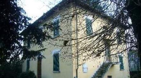 Vendesi casa con giardino in Località le quercie ponte all'ania