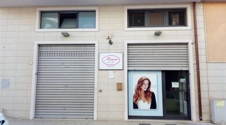 Locale commerciale in Vendita in Via Ferraris 16 a Fasano