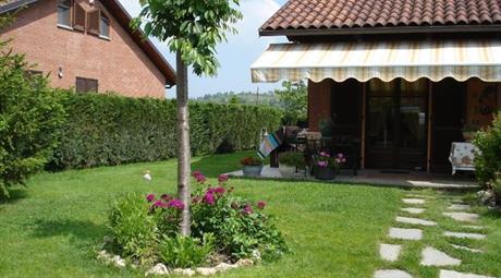 Villa in vendita Andezeno