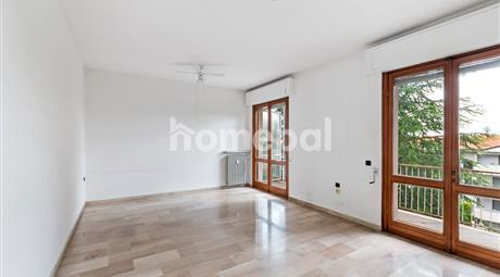 Grande appartamento in centro tutto da personalizzare | Castano primo