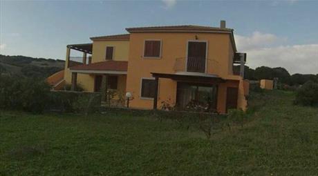 Villa in vendita in Via degli Olivastri, 8  Loc Biancareddu a 40 Km da Sassari e a 15 KM da Stintino