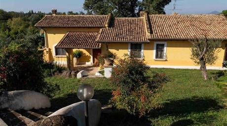 Villa in Vendita in Strada dell'Olmata 3 a Campagnano di Roma