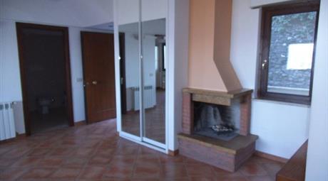 Appartamento piazza Giosafat Riccioni, Sant'Oreste      € 150.000