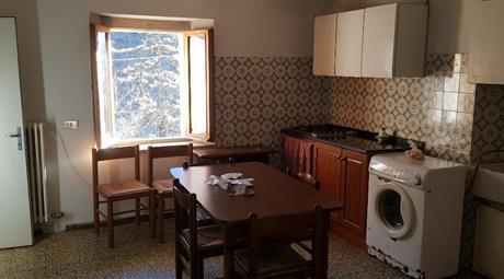 Appartamento località Isola a 4 km da Santa Sofia