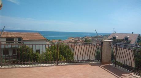 Villa in vendita in via Sicilia, 21 Roseto Capo Spulico