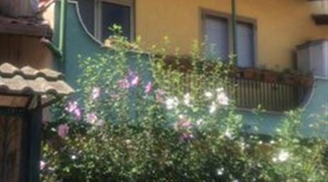 Villetta a schiera sita in parco privato
