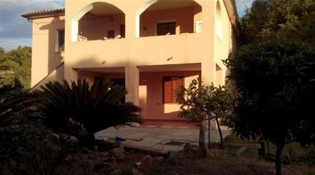 Casa indipendente in vendita in località Monticanaglia s.n.c