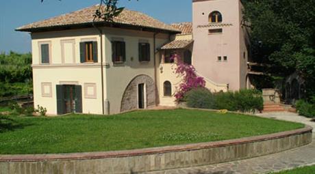 Casale Bravetta - Vivere in campagna, dentro Roma