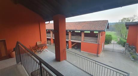 Trilocale con terrazzo in antico cascinale