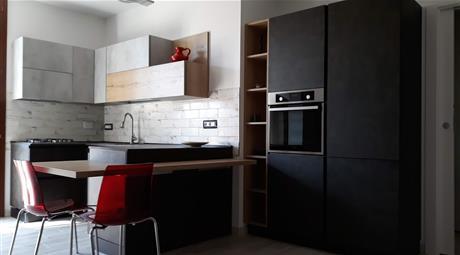 Privato vende appartamento ristrutturato e ammobiliato