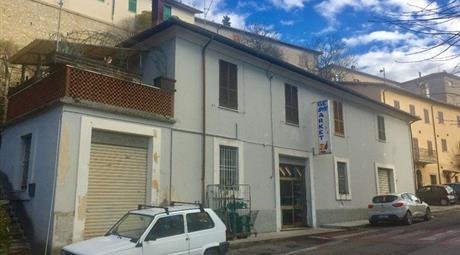 Palazzo in vendita