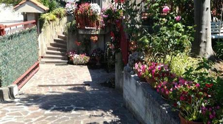 Casa Bifamiliare, Trifamiliare in Vendita in Via Iclea 7 a Vibo Valentia