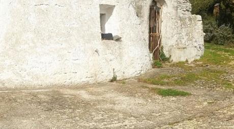 Rustico / Casale, da ristrutturare, 185 mq, Ostuni € 75.000