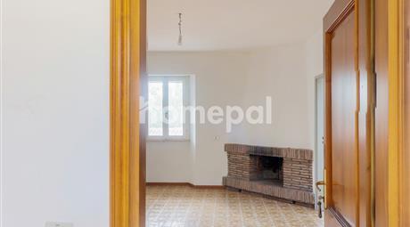 Stabile, Palazzo in Vendita in Via Ciola Castello 16 a Mercato Saraceno