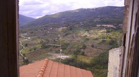 Casa da restaurare in piccolo borgo d'Abruzzo
