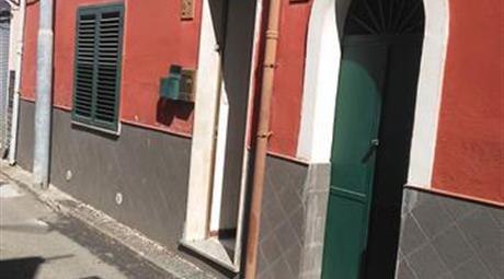 Casa singola in vendita  Via Duilio 43.000 €