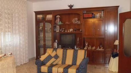 Appartamento 5 vani, Via Raffaello, 4 , Cassano delle Murge (BA) 120.000 €
