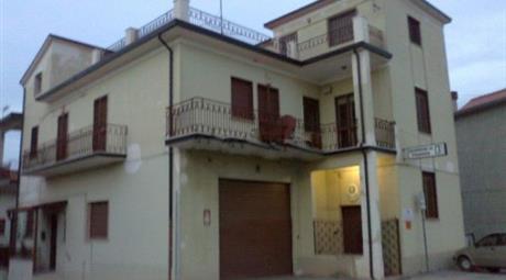 Appartamento su due piani  in zona centrale