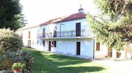 Rustico / Casale, buono stato, 300 mq, Roccaverano, Langhe