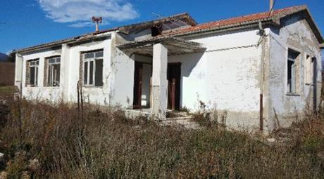 Villetta da restaurare sita in Fichieri,Campli,TE