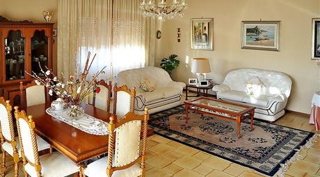Casa indipendente 172mq + giardino 500mq a Morena (RM) zona