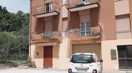 Appartamento via Tita Secchi, Vestone