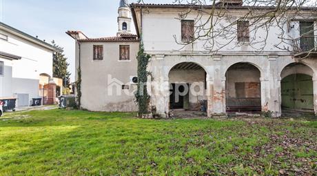 Caseggiato da ristrutturare nel borgo di Paluello | Stra