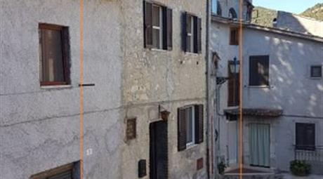 Casa Indipendente in Vendita in Via Olivella 5 a Anticoli Corrado