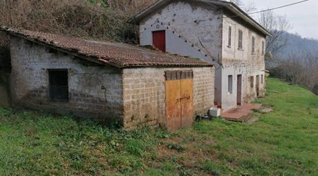 Rustico, Casale in Vendita in via valle 5 a Collevecchio