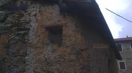 Casa indipendente in vendita in piazza Dante, 3, Pieve di Teco