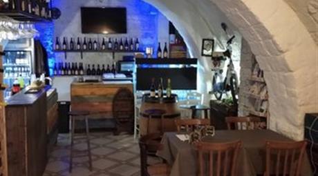 Locale commerciale in vendita a Trani 85.000 €