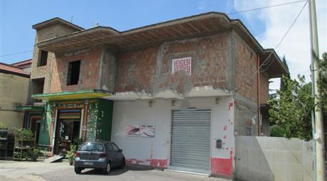 Casa indipendente in vendita in via Madonella, 7